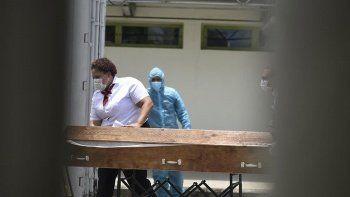 Aşı karşıtı mitinglerin organizatörü Kovid-19'dan öldü