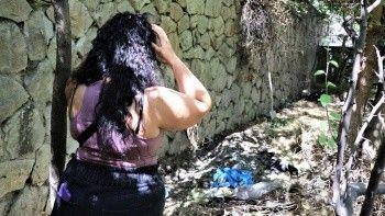 Bahçesinde 11 ölü köpek bulunan kadın tutuklandı