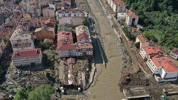 Batı Karadeniz'i vuran selde bilanço ağırlaşıyor: 64 can kaybı