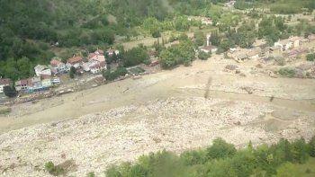 Bir köy haritadan silindi: 37 yıl önce yapılan afet evleri yıkıldı