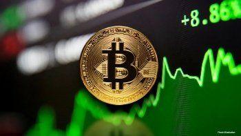 Bitcoin kritik seviyeyi aştı: 2 ayda 21 bin dolar değerlendi