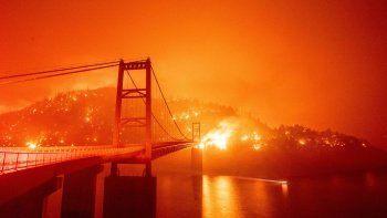 California'daki yangınlarda 5. hafta: Büyük afet ilanı talep edildi