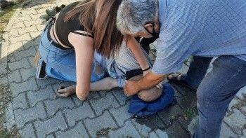 Kalp krizi geçiren adamı genç kız kurtardı