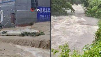 Çin ve Japonya'daki sağanak yağışlar ölümlere neden oldu