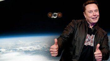 Elon Musk uzaydan dünyaya reklam yansıtmaya hazırlanıyor