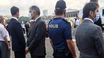Erdoğan'ın mesajına sırtını dönen CHP'li başkana tepki yağdı