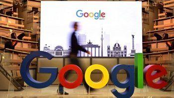 Google evden çalışan personelin maaşını kesecek
