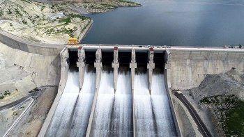 Hidroelektrik santrali nedir, nasıl çalışır? Hidroelektrik santralinin avantajı ve dezavantajları nelerdir?