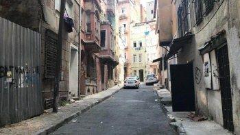 Hırsızların çaldıkları şey 'yok artık' dedirtti: Asırlık binaların kapılarını söküp götürdüler