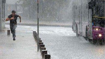 İstanbullular için gök gürültülü sağanak uyarısı
