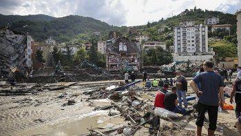 Karadeniz'de sel felaketi: '250-300 ceset çıkarıldığı' iddiasına Kastamonu Valiliği'nden açıklama