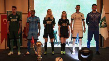 Kocaelispor'un yeni sezon forması tanıtıldı