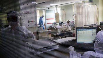 Koronavirüs öldürmeye devam ediyor: İran'da can kaybı 100 bini aştı
