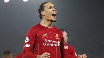 Liverpool, Virgil van Dijk'ın sözleşmesini uzattı