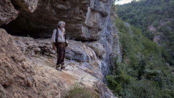 Mağarada yaşayan adam iki doz aşısını oldu: Virüs ayrım yapmıyor