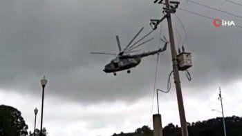 Meksika'da facianın eşiğinden dönüldü helikopter iniş esnasında düştü