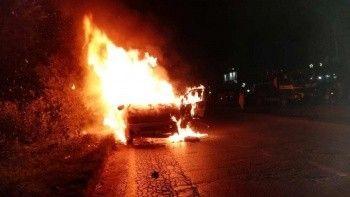 Pakistan'da yolcu minibüsü yandı: 10 ölü, 7 yaralı