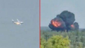 Rusya'da 3 kişinin bulunduğu askeri nakliye uçağı düştü