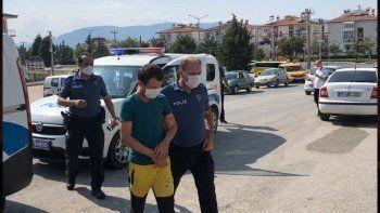 Sağlık çalışanlarını darp eden zanlılardan biri tutuklandı