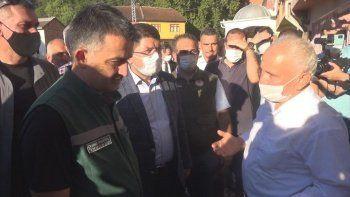 Selden kurtulan yaşlı adamla Bakan Pakdemirli'nin duygulandıran diyaloğu