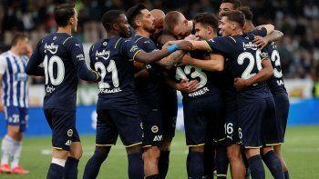 Son dakika: Fenerbahçe UEFA Avrupa Ligi'nde gruplara kaldı