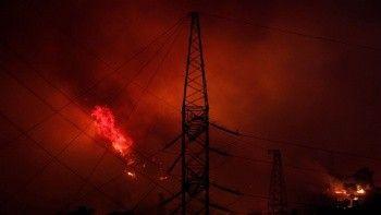 Son dakika haberi: Milas'taki yangınlarda alevler Kemerköy Termik Santrali'ne sıçradı