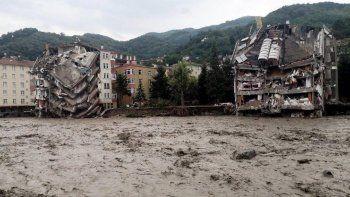 Son dakika: Karadeniz'deki sel felaketinde can kaybı 81'e yükseldi