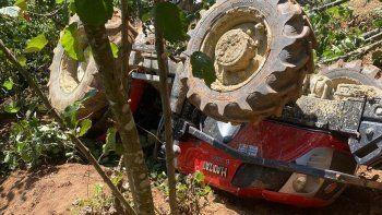 Traktörün altında kalan sürücü hayat mücadelesini kaybetti