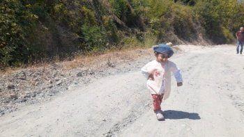 Türkiye'nin en kısa kadını: Köyüme yol yapın