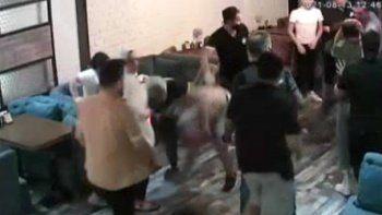 Uyuşturucu bağımlısı baba ve oğul dehşet saçtı: Cam parçalarıyla saldırdılar