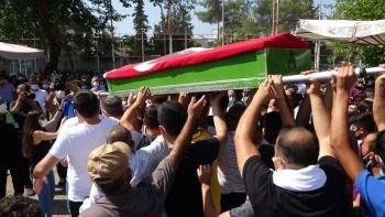 Vahşice katledilen Azra son yolculuğuna uğurlandı