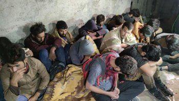 Van'da 'şok ev' baskını: 25 düzensiz göçmen yakalandı