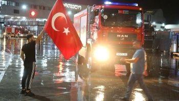 Yangınla mücadele için Azerbaycan'dan gelen ekip Türkiye'de