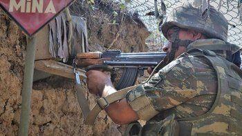 Yasa dışı konuşlanan Ermeni gruplar Azerbaycan askerlerine ateş açtı