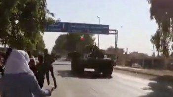 YPG/PKK Rus askeri konvoyunu taşladı