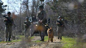Yunanistan'a yasa dışı yollarla geçmeye çalışan 17 kişi yakalandı