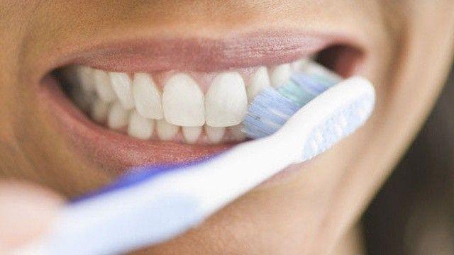 Alzheimer'a diş fırçasıyla savaş açın
