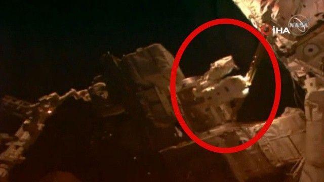 Astronotlar uzay yürüyüşünü başarıyla gerçekleştirdi