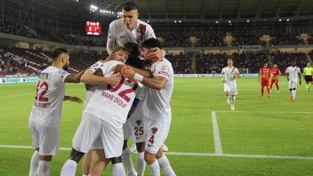 Atakaş Hatayspor, evinde Yukatel Kayserispor'u 2-1 mağlup etti