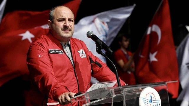Bakan Varank'tan uçan araba mesajı: Dünya bizi konuşacak