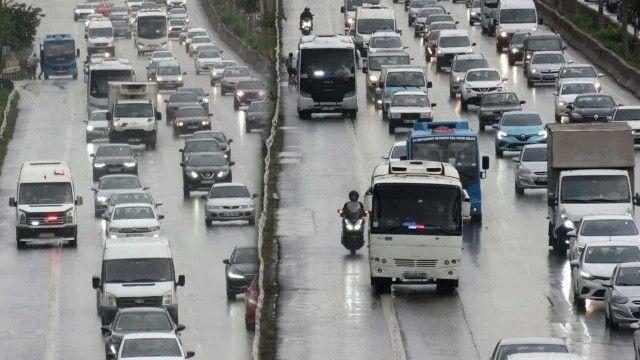 İstanbul trafiğinde yeni kabus: Çakarlı minibüslere şikayet yağıyor