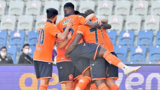 Medipol Başakşehir, sahasında Çaykur Rizespor'u 3-0 yendi