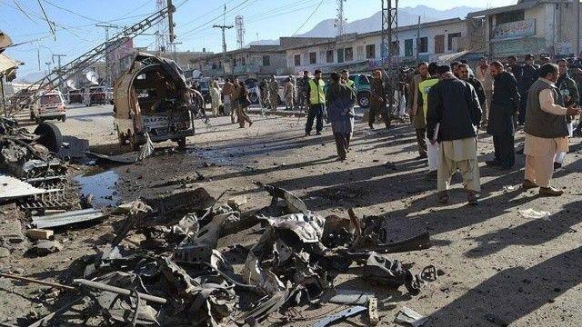 Pakistan'da patlama! 4 kişi hayatını kaybetti çok sayıda yaralı var