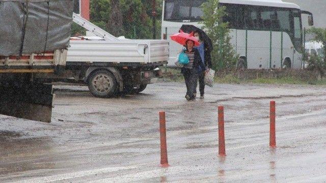 Selin izlerinin silinmeye çalışıldığı Ayancık'ta kuvvetli yağış