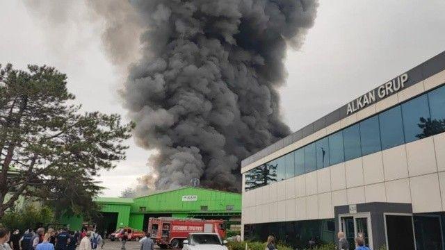 Son dakika! Şile'de fabrika yangını ve patlama!