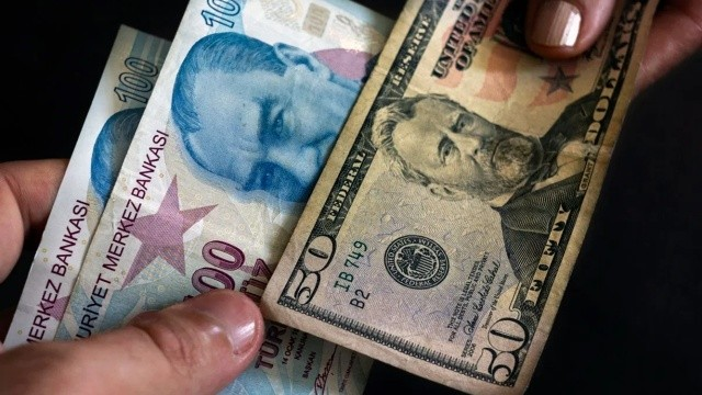 Dolar fiyatları kritik haftada uçtu