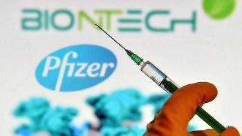 ABD'de Pfizer'ın 3. dozuna 65 yaş ve üzeri için onay