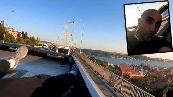 Avrupa'dan Asya'ya tehlikeli yolculuk: Youtuber bu kez de metrobüs tepesine çıktı