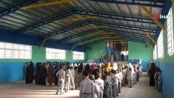 Afganistan'da öğrenciler okullarına kavuştu