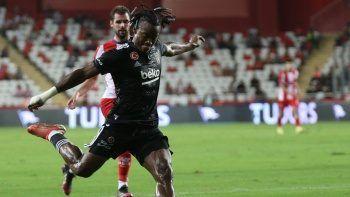 Beşiktaş'tan harika dönüş! Maç Sonucu: Antalyaspor 2-3 Beşiktaş